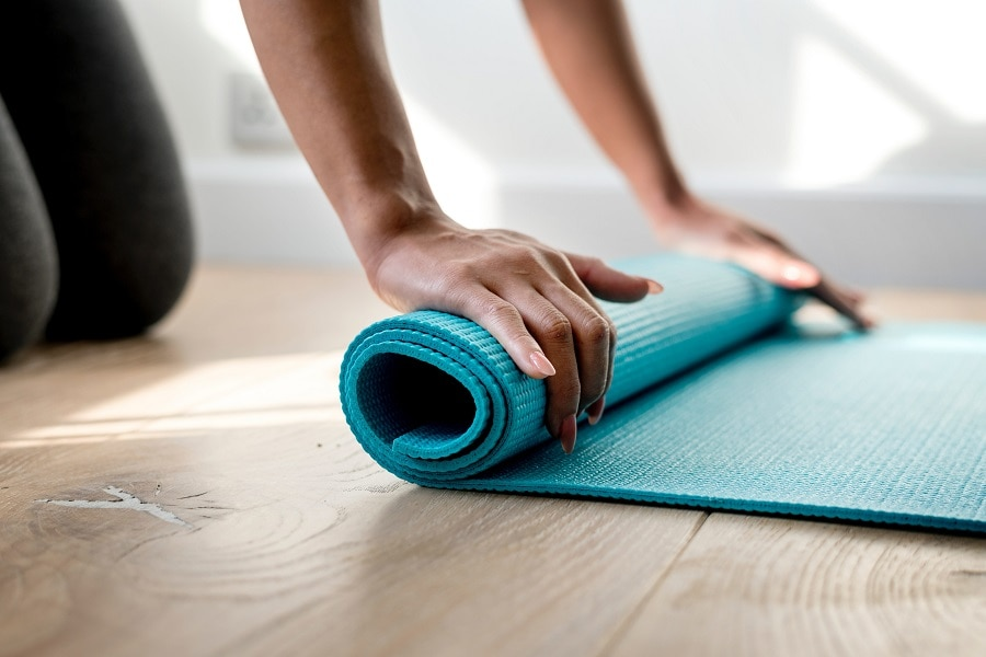 How To Clean Your Yoga Mat With Natural Products